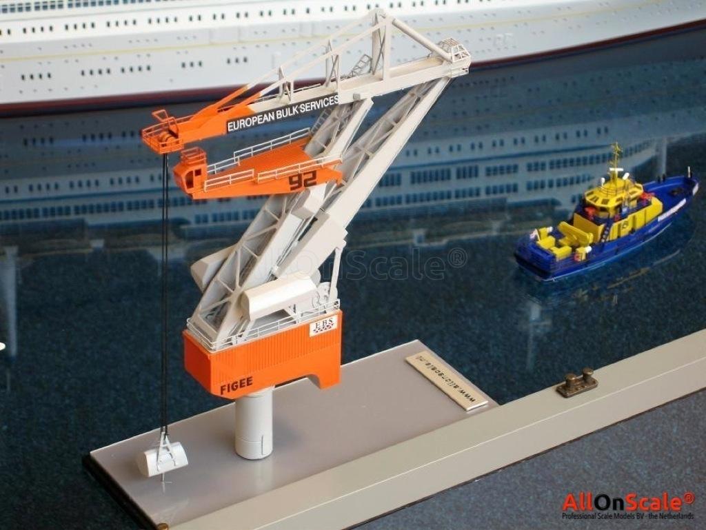 EBS Harbor Crane 1:300 – Professional Scale Models BV